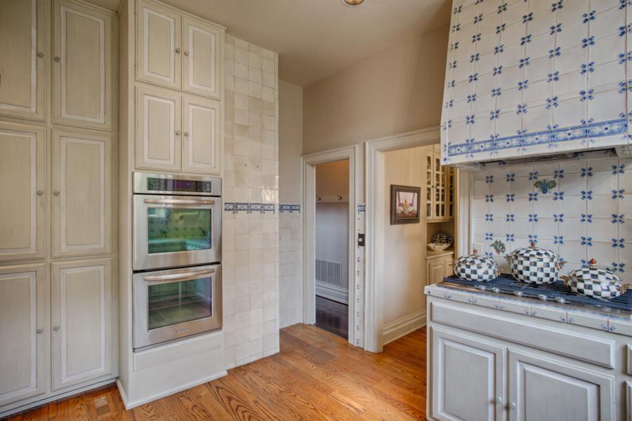013_Kitchen B.jpg