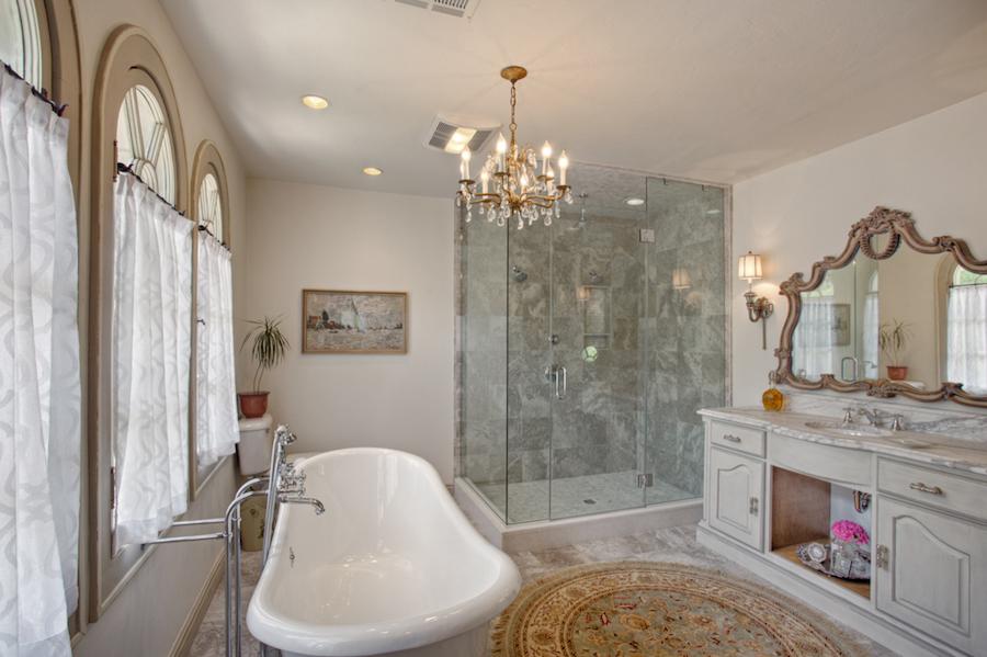 019_Her Bath A.jpg