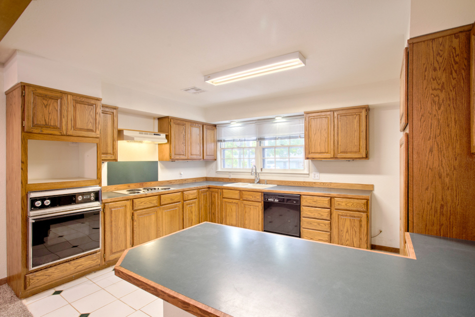 02-Kitchen A.jpg