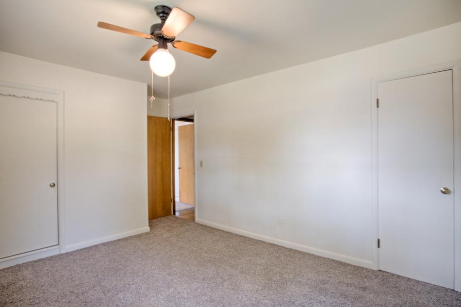 Bedroom 2B.jpg