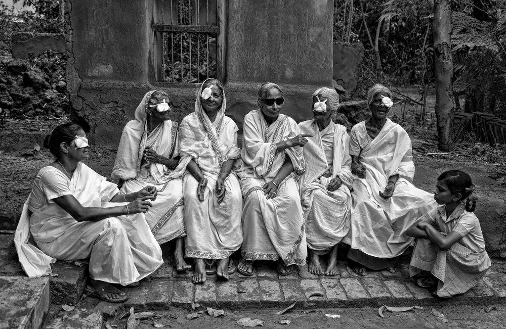 Przesłane przez: SANGHAMITRA SARKAR Kraj: Indie Kategoria: Amatorzy Podpis: Nadzieja na nową wizję ( Hope for new vision )