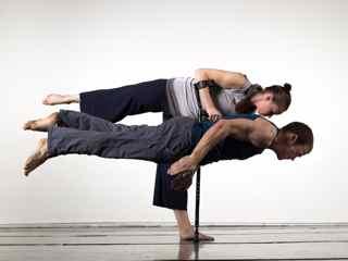 2 dancers jumping
