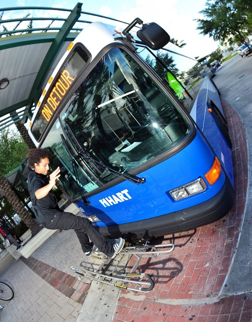 50/50 a Hartline bus in downtown Tampa / Photo: Chaz Miley