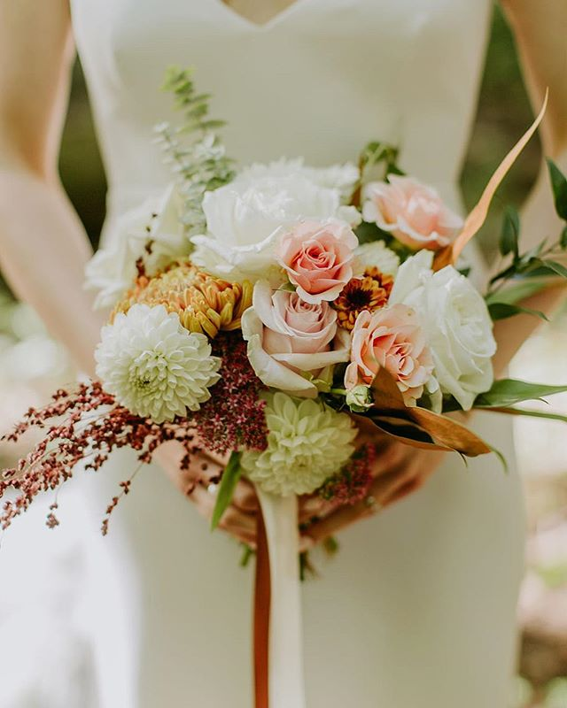 """""""I kept asking for a tiny bouquet because I didn't want to be holding something all night, but by the time I had that beautiful arrangement in hand, I didn't want to put it down!! (Nor did I)""""     hearing feedback like this from a client makes my heart feel absolutely beaming! Thanks so much Norel - This wedding was a late fall all around beauty, more photos to come ✨ Photography    @ambergressphotography  Venue     @foxfiremountainhouse Florals     @sweetthornflora . . . . . . . . . . . . #sweetthornflora #florist #floraldesigner #wedding #weddingfloral #foxfiremountainhouse #blooooms #flowermagic #roses #flashesofdelight #dscolor #fallwedding #bridalbouquet #bouquet #flowerstagram #flowers #dstexture #dsfloral #thatsdarling #flowersmakemehappy #flowersmakemesmile #flowerpower #flowerlove #florallife #inspiredbypetals #floralfix #dahlia"""