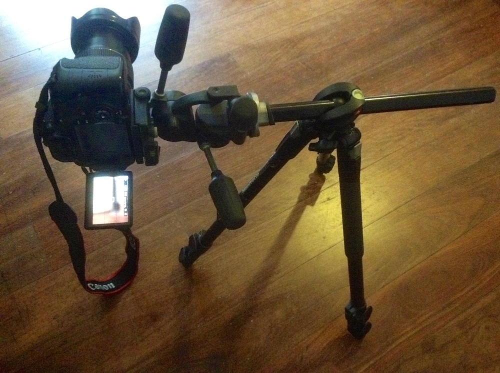 Manfrotto190XPROBlegs with horizontal centre column.
