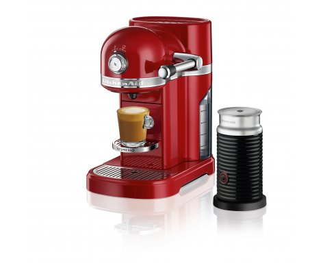 Two well-loved and iconic brands, Nespresso and KitchenAid, bring together their expertise in exceptional coffee experiences and quality appliances to design a machine to delight all coffee lovers. The timeless and premium metal design, together with advanced and intuitive technology, provides the incomparable Nespresso experience.