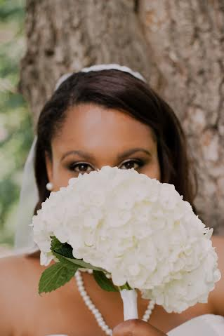 Hydrangea bouquets! (Photo credit Kathryn Heppner photography)