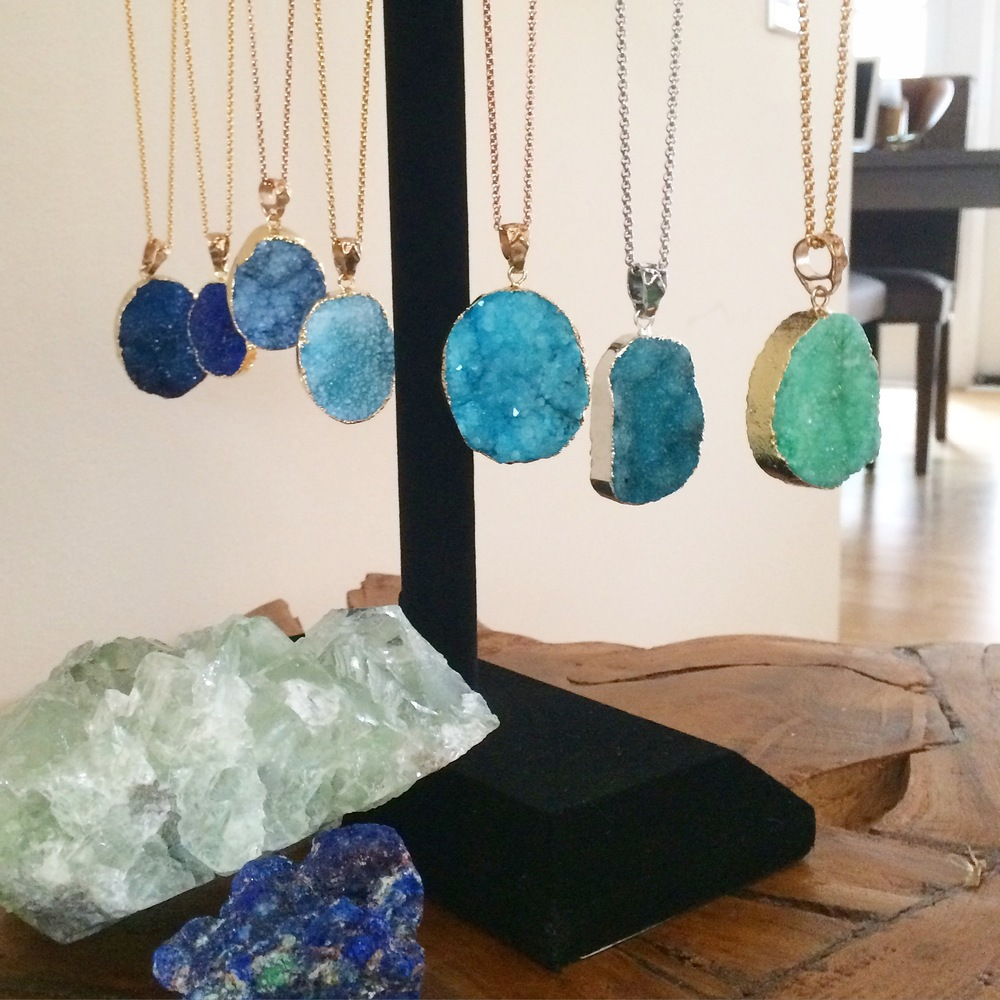 RIPTIDE, PARADISE & SEA FOAM COLORED STONES