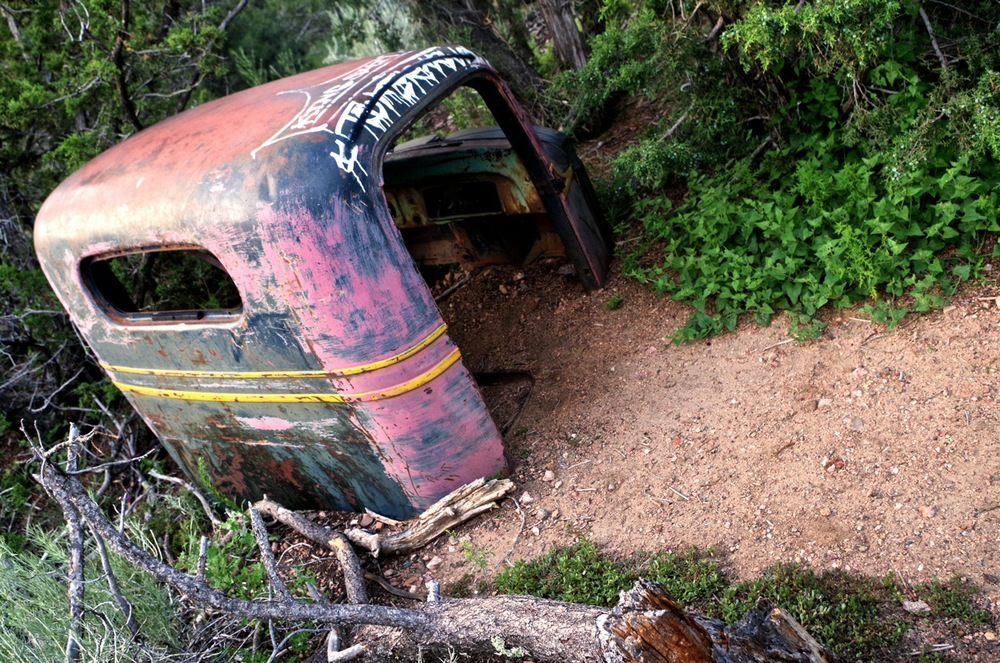 Obligatory abandoned car.jpg