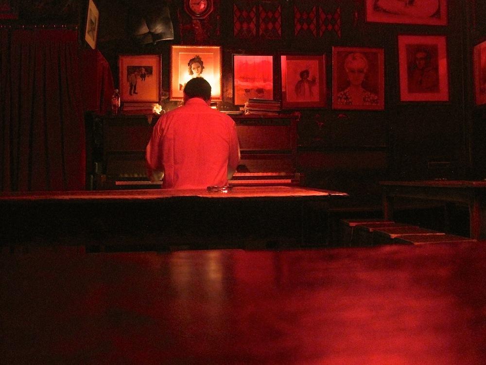 Lapin Agile Piano Man