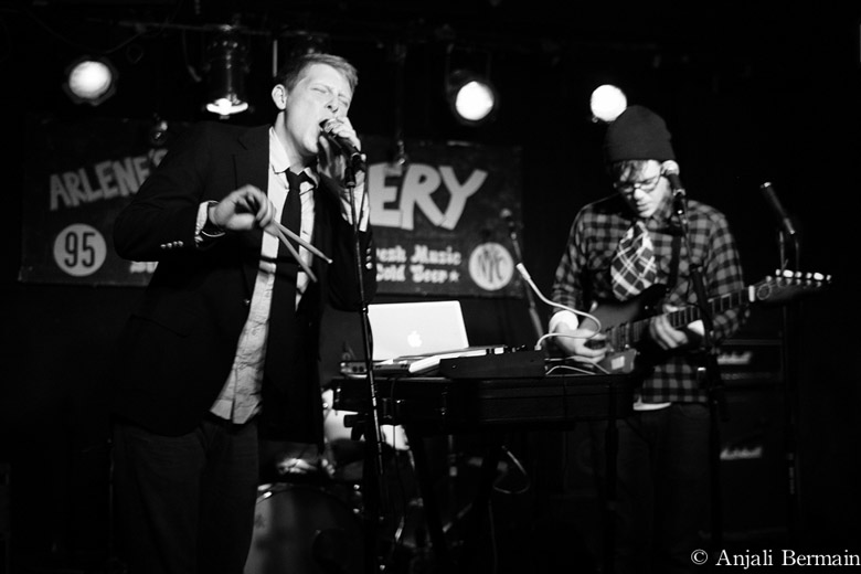 Hook Moon, Arlene's Grocery