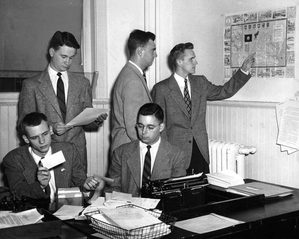 1952 -- MAKING PLANS