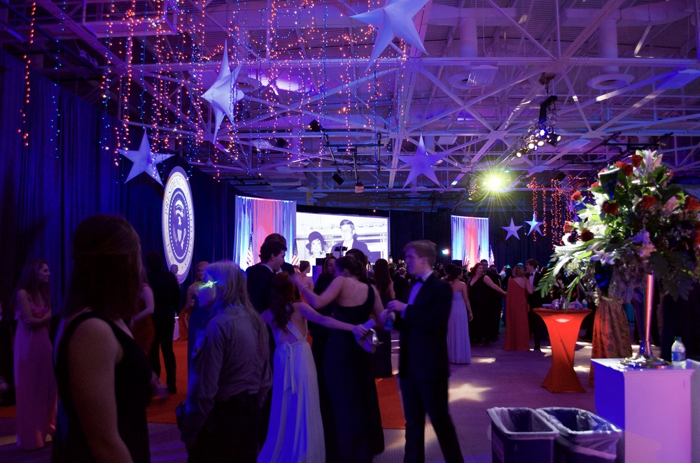 Students arrive to a decked-out Warner Center.