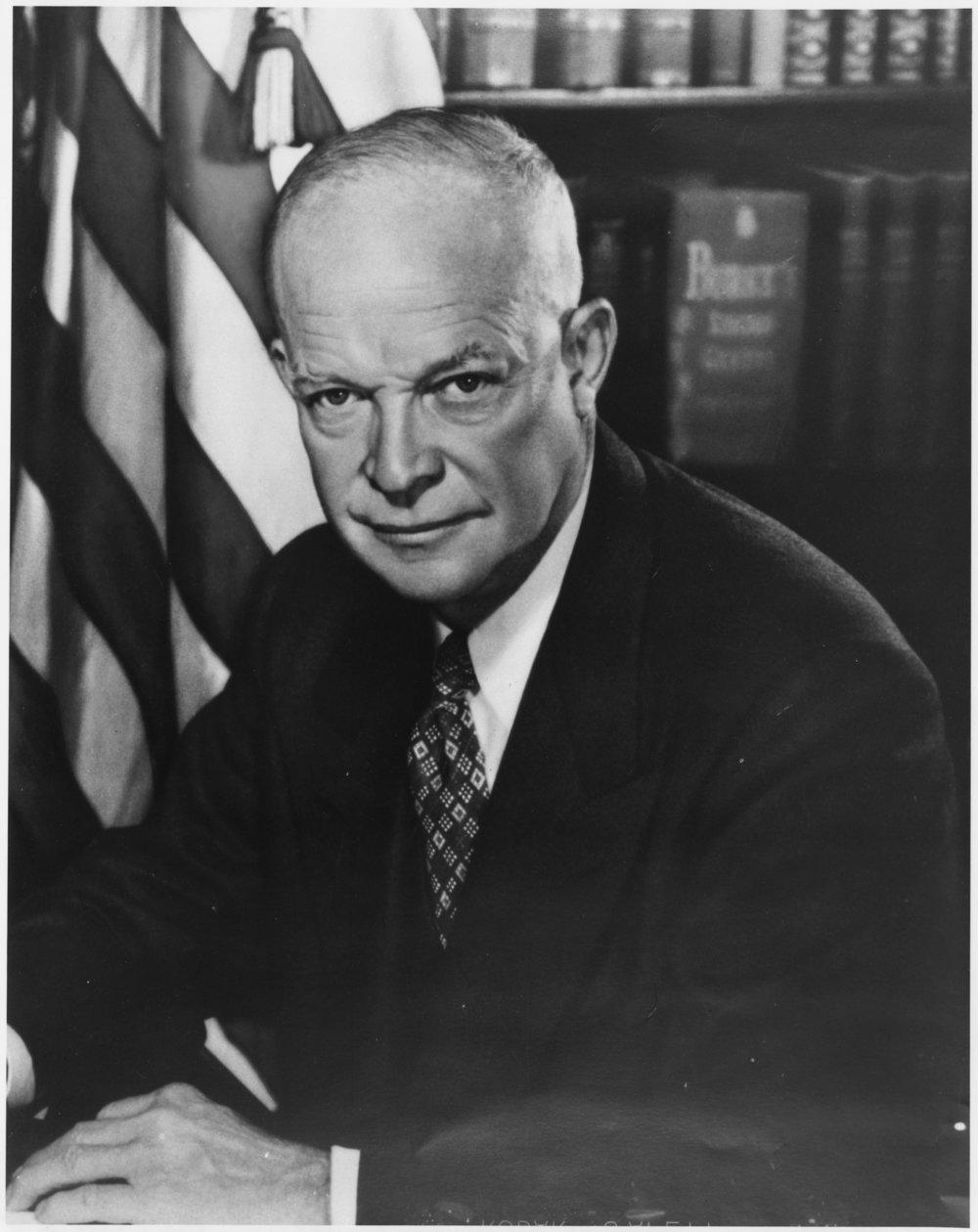 Photograph_of_Dwight_D._Eisenhower_-_NARA_-_518138.jpg