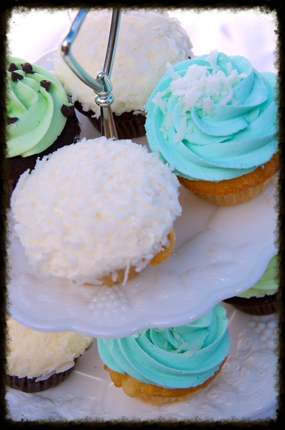 surprise me events cupcakes