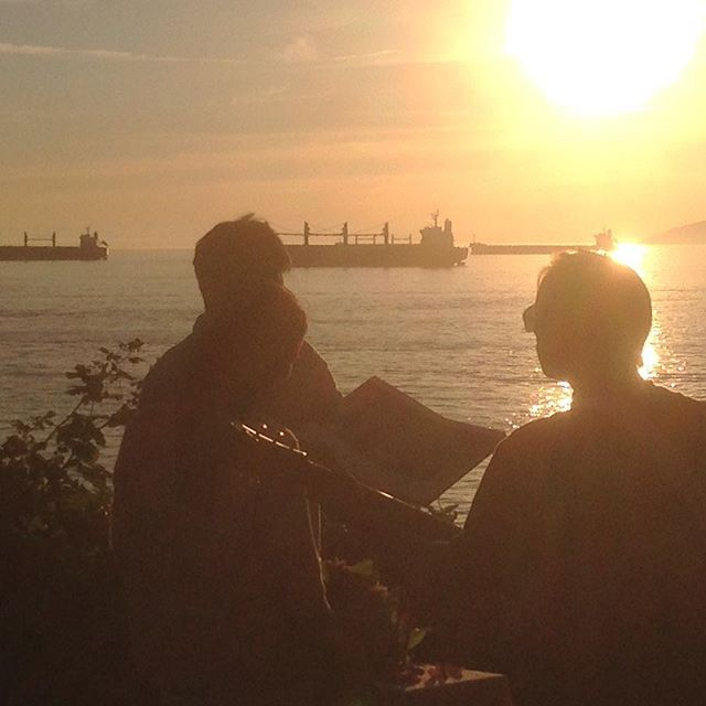 Moments before the *big* moment! Last nights magical #proposal took place at Ferguson Point in #StanleyPark. Loved planning this one! Thanks to @ruelmorales and @musicaloccasions for the beautiful musical serenade!  #shesaidyes #vancouver #yvr #propose #engagement #sunset #music #musician #nofilter