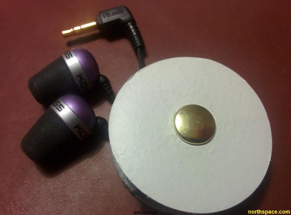 Earbuds Holder.jpg