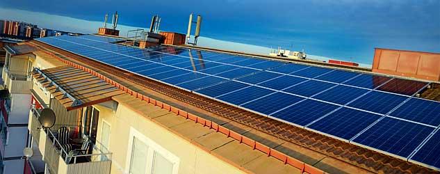 El från ett förtiotal hus ska loggas med gemensamt koncept.    Under 2013 och 2014 sätts 10 000 kvadratmeter solceller upp i stadsdelen Järva i Stockholm, vilket gör stadsdelen till en av Sveriges solcellstätaste områden. Vi är drivande i utvecklingen av ett gemensamt uppföljningssystem för alla installerade solceller i området  för att kunna utvärdera hur mycket el de olika systemen producerar och hur kostnadseffektiva anläggningarna är. Resultatet har börjat ta form genom en   publik databas  där 10-minuters värden lagras. Läs mer  här  .