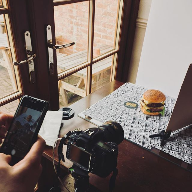 Behind the scenes with @ihaynes11 as Photography director on this shoot. Thanks to @buildyourburger and @thefourpennypub for feeding us! 😳🍔😵 #foodporn #foodphotography #photography #design #website #photo #photographylover #agency #designagency #clients #warwickshire