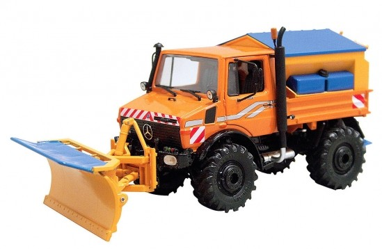 450772500 MB Unimog U1600, oranje Winterdienst, Schuco.jpg