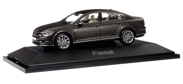 70874  VW Passat, bruin met., Herpa