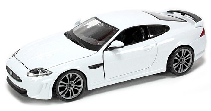 18-21063W  Jaguar XKR-S, wit, Bburago