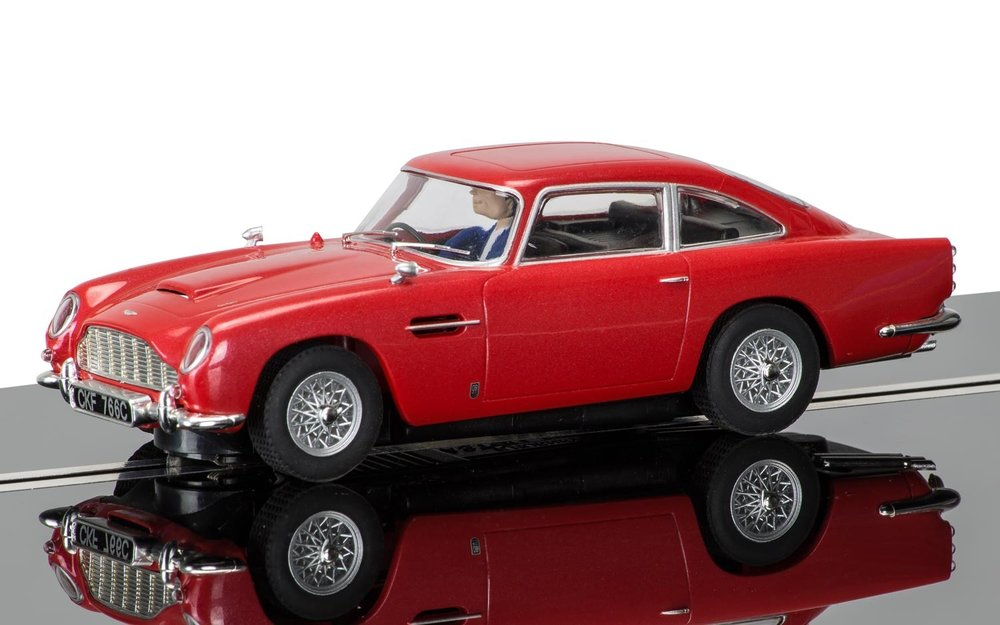 3722  Aston Martin DB5, rood, Scalextric