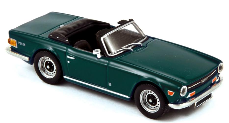 350093  Triumph TR6 1970, Englishgroen, Norev