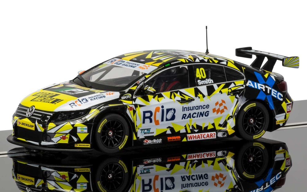 "3864    BTCC VW Passat 2016 British Touringcar Champ. ""No.40 Aaro, Smith, Scalextric"