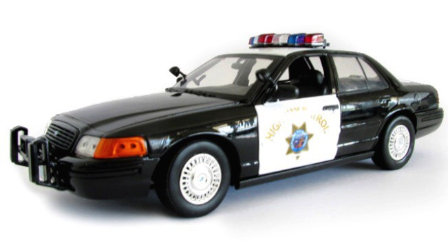 "73501    Ford Crown Victoria ""California Highway Patrol"" 2001, Motor Max"