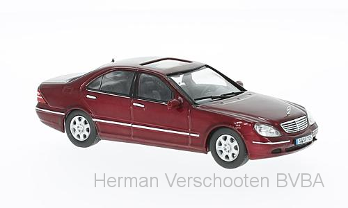 MOC106    Mercedes-Benz S500 (W220) 2000, bordeauxrood, Ixo