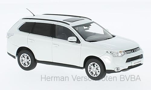 29391  Mitsubishi Outlander, Parelwit, Vitesse