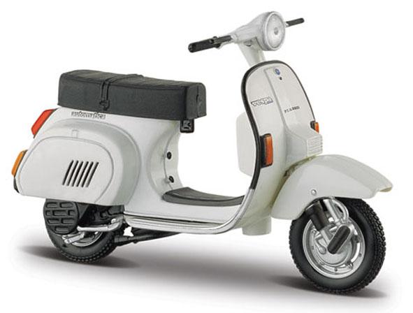 04337W  Vespa Scooters PK 125 Automatica 1984, Maisto
