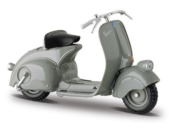 03132G  Vespa Scooters 98 1946, Maisto