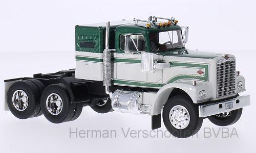 45771  Diamond Reo Truck wit/met. donkergroen, Neoscale Models