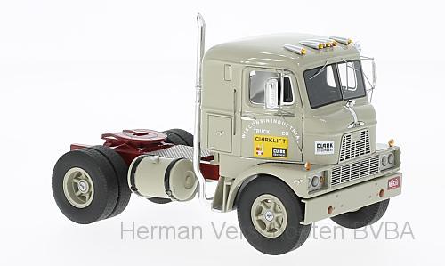96820  Mack H-67 COE, lichtgrijs, Neoscale Models