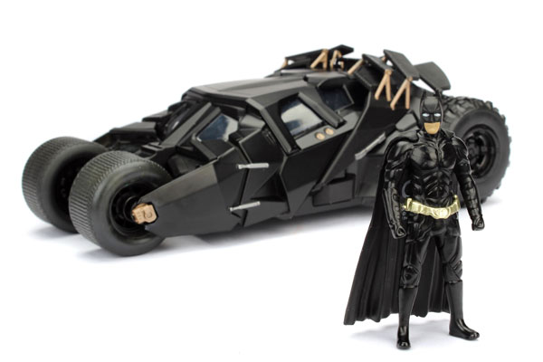 98261    The Dark Knight Batmobile + figuur, Jada Toys