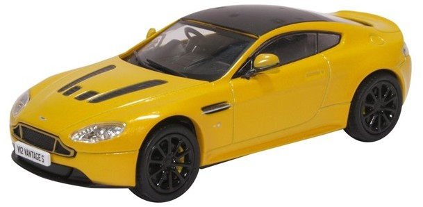 43AMVT003    Aston Martin Vantage S, Sunburst Yellow, Oxford