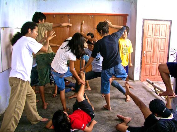 TEATER PENDIDIKAN KRITIS / CRITICAL PEDAGOGY THEATRE. KalanganKulturaMedia Salatiga.