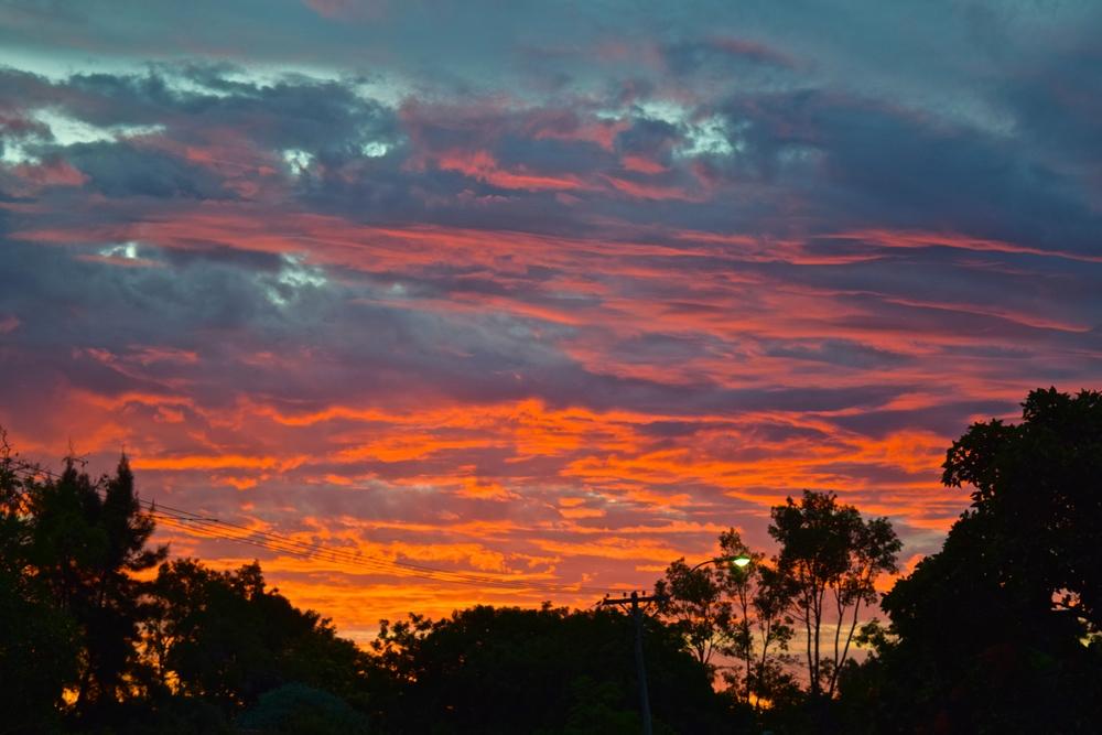 senjakala samudra Hindia dari pertigaan Lynch Place dan Oldham Crescent, Fremantle Western Australia.