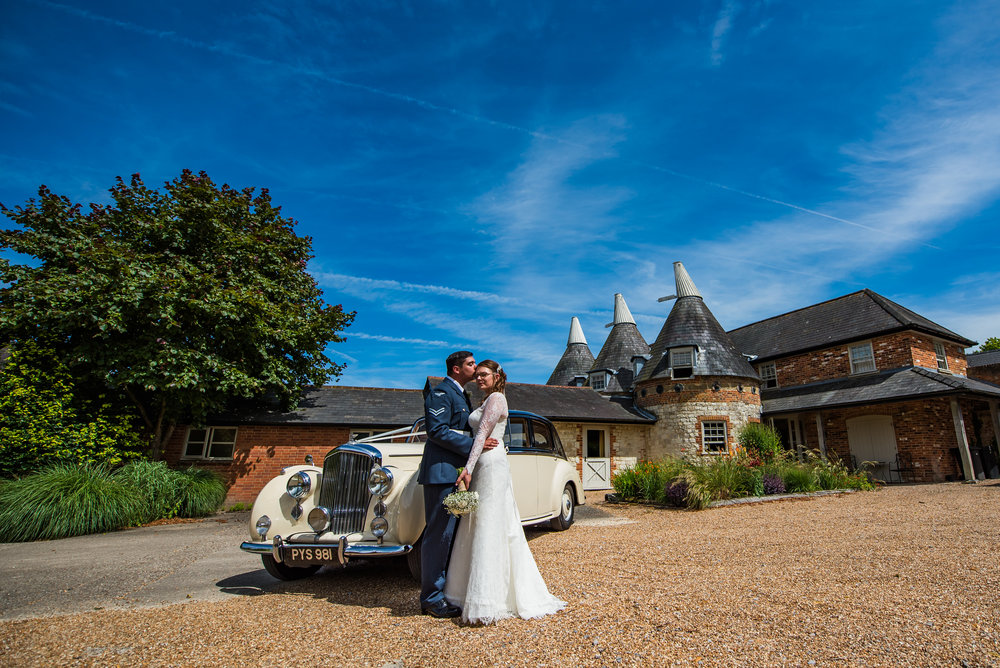 Farnham Castle Weddings (12 of 28).jpg