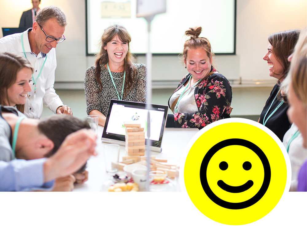 2. Designed to make you smile - Mooie materialen, doordachte opdrachten, verrassende vragen en af en toe een knipoog, dat zijn de design principles die we gebruiken om mensen mee te krijgen. Aandacht en humor zorgen voor de juiste sfeer.