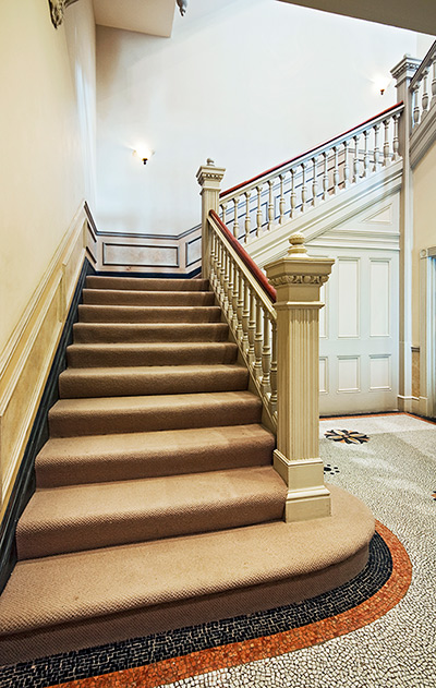 Charming Staircase 400