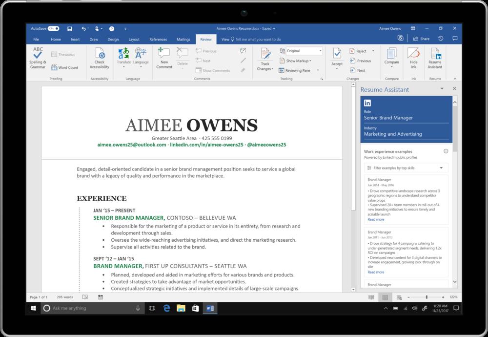 Resume Assistant es una nueva herramienta de Office 365 que tiene como objetivo ayudar a los solicitantes de empleo a enriquecer sus currículums integrando Microsoft Word con elementos de LinkedIn. -