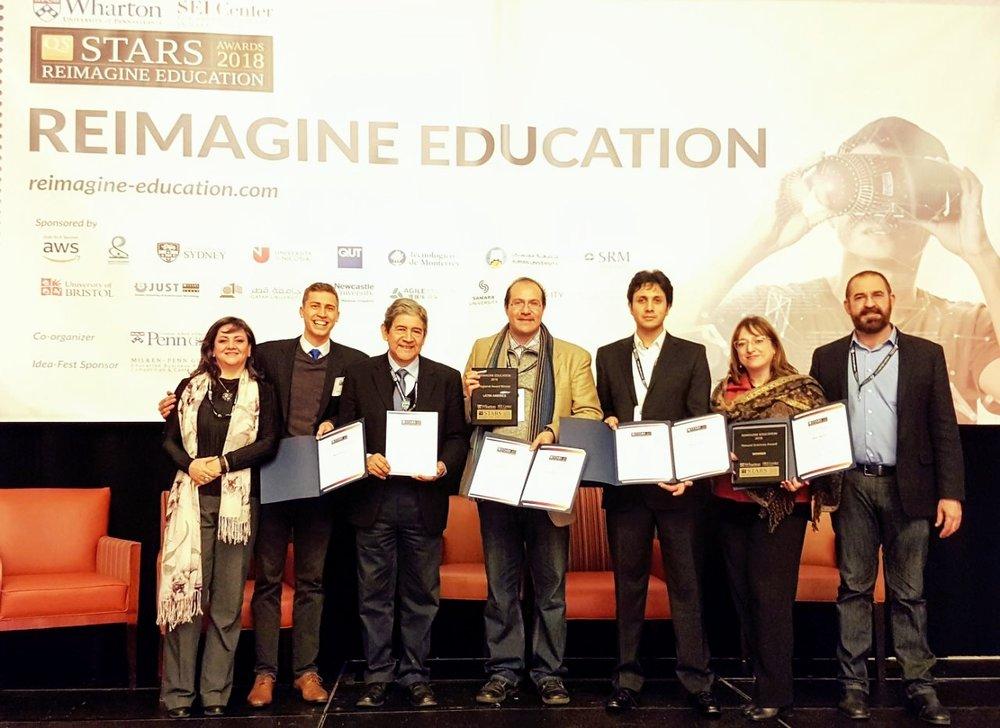 Reimagine Education Awards nace bajo la idea de que la educación tradicional debe ser reimaginada; ésta no cumple con las necesidades de los estudiantes ante los retos presentes y futuros. -