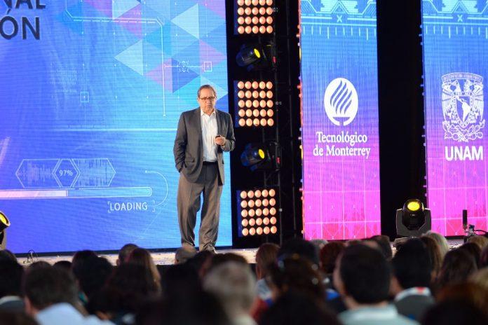 Salvador Alva destacó las cinco tendencias que cambiarán el rol de las universidades. -