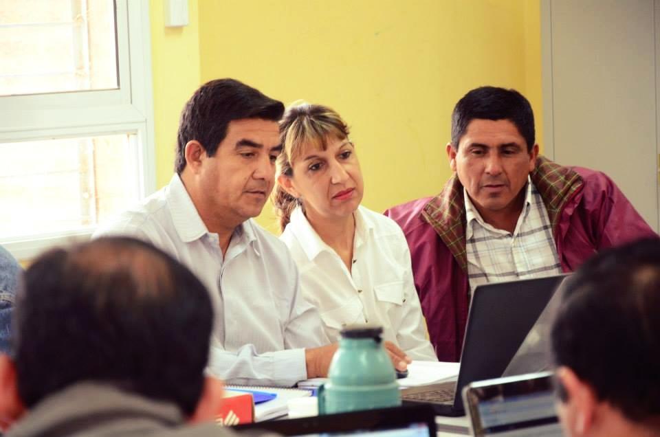 La colaboración e interacción entre los maestros mejora cuando se les asignan espacios de trabajo cercanos. -
