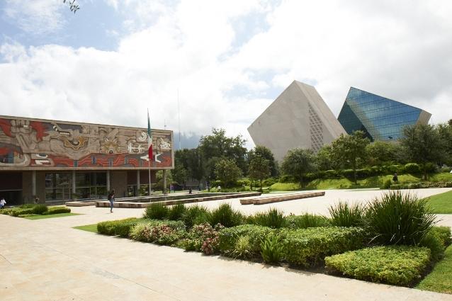 De acuerdo al ranking de universidades 2018 publicado por Times Higher Education, el Tecnológico de Monterrey se establece como la mejor universidad de México y ocupa la quinta posición en América Latina. -