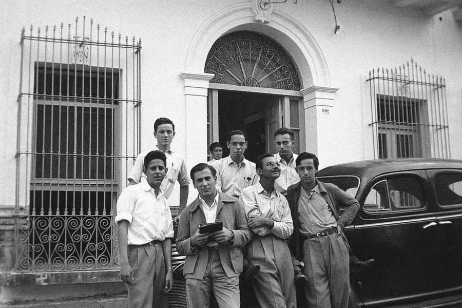 Los primeros alumnos sumaron 350 en el inicio del Tec de Monterrey en 1943.