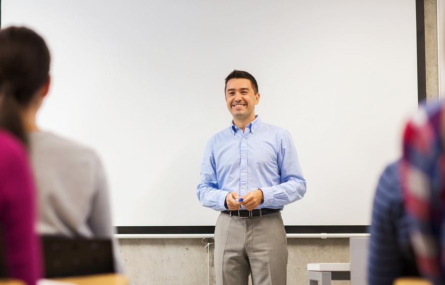 El prestigio de los docentes se ha ido perdiendo desde el siglo XX ¿Qué pueden hacer los países latinoamericanos para recuperarlo? - Foto: Bigstock
